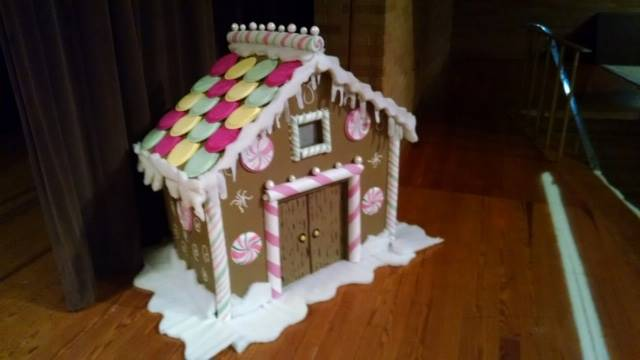 Great job on Gingerbread House for our stage Ms. Vanderpool!